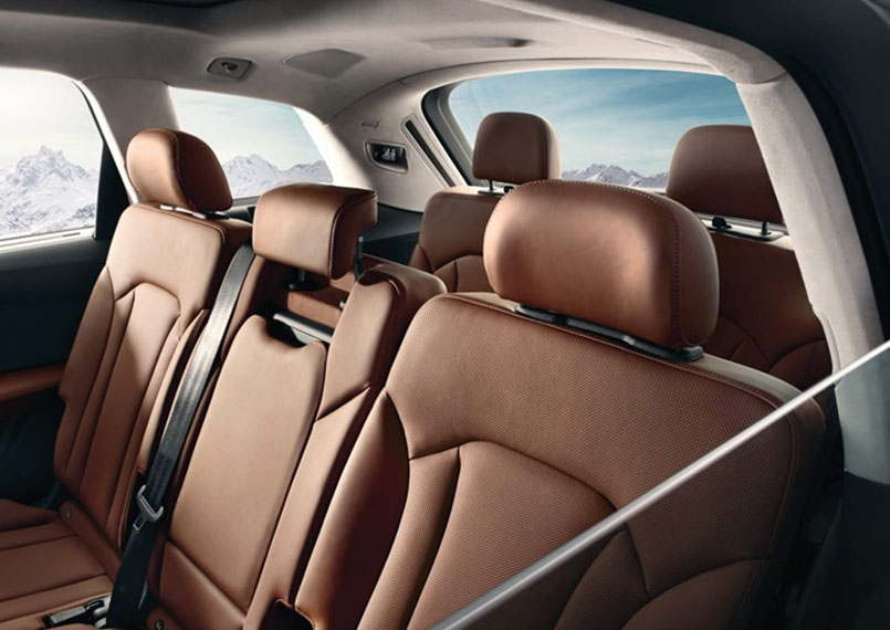 Audi Q7 Interior2 Product Imgs