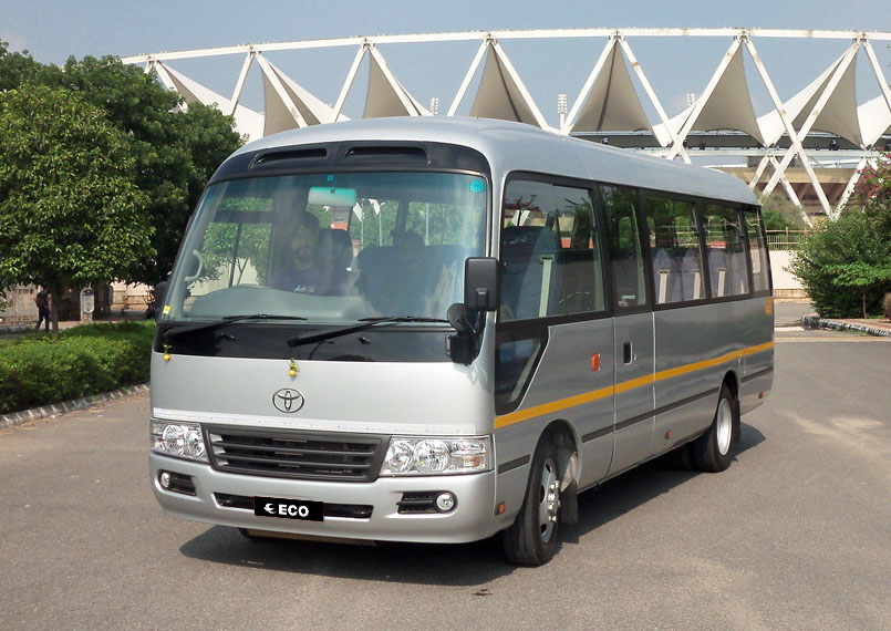 Toyota Coaster front