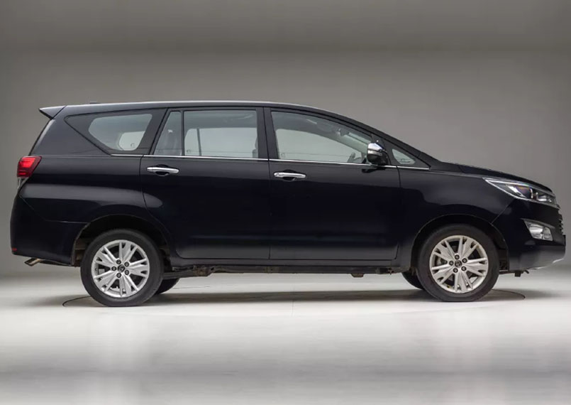 Toyota Innova Crysta Right Product Imgs 1
